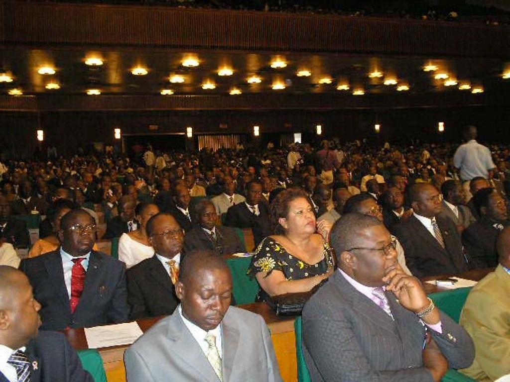 Les députés nationaux, en plénière à l'Assemblée nationale