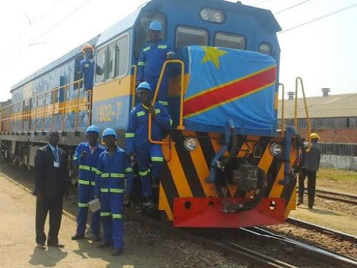 Les cheminots lors de l'inauguration de nouvelles locomotives de la SNCC, le 27 juillet 2015, à Lubumbashi/Ph. Emmanuel Pweto