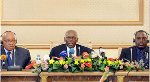 De gauche à droite: Le Sud-africain Jacob Zuma, l'Angolais Edouard Dos Santos et le congolais Joseph Kabila